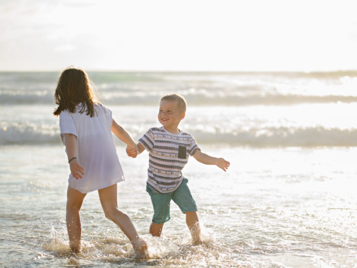 Séance photos famille à l'océan